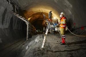 Geomática y Topografía usos en minería y obra civil TrimbleS8 app tunnel 8735