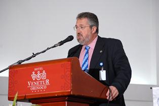 Manuel Alcázar