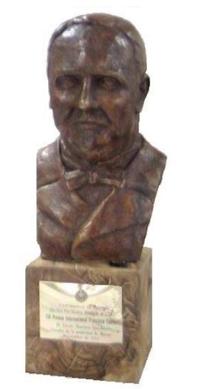Estatuilla premio Francisco Coello